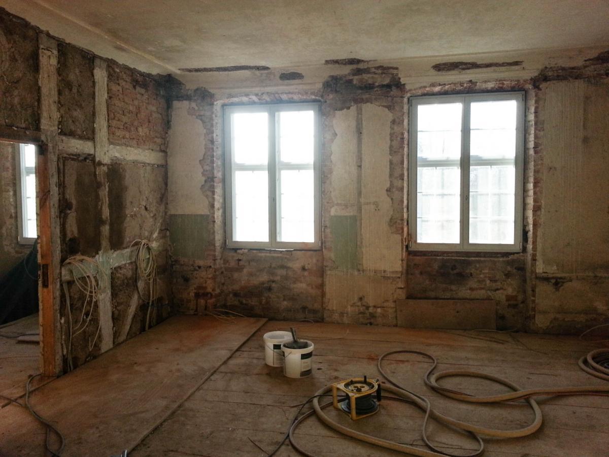 Schöner wohnen, Dekoration, Anfertigung von Fenstervorhänge ...